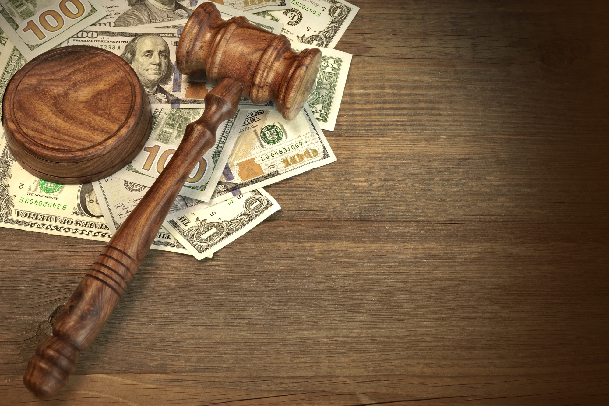 how much are lawsuit loan fees?